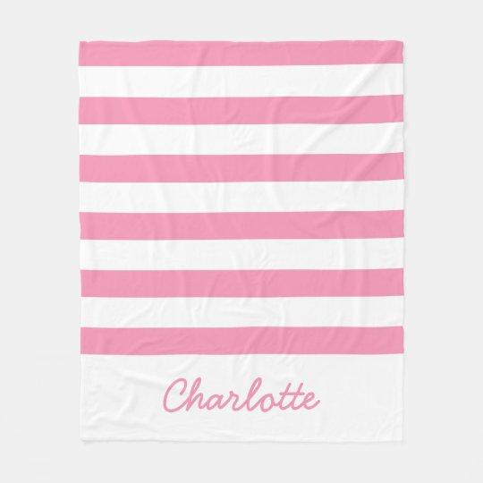 名前入りな幸せなピンクおよび白のストライプ フリースブランケット