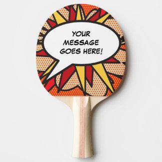 名前入りな漫画本のポップアートのスピーチの泡 卓球ラケット