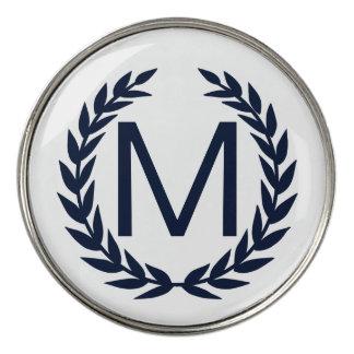 名前入りな濃紺の月桂樹のリースのモノグラム ゴルフボールマーカー