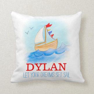 名前入りな男の子の子供部屋の航行ボートの名前の枕 クッション
