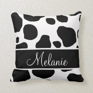 名前入りな白黒牛は枕に斑点を付けます クッション