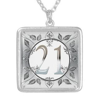名前入りな第21誕生日の銀製の第21 シルバープレートネックレス