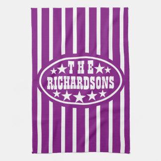 名前入りな紫色のヴィンテージのカーニバル キッチンタオル