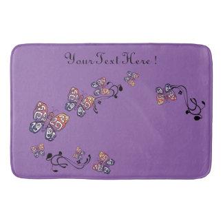 名前入りな紫色のヴィンテージの手描きの蝶 バスマット