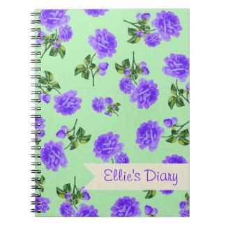 名前入りな紫色及び緑のぼろぼろのシックなバラ ノートブック