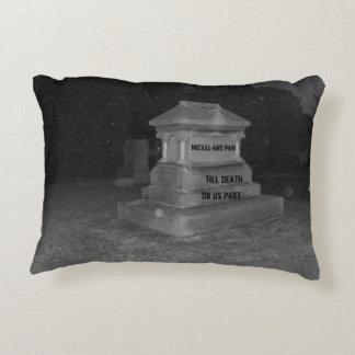 名前入りな結婚の墓地の枕ユーモア アクセントクッション