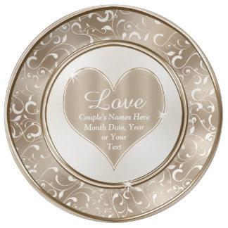 名前入りな結婚式のプレート、愛、名前および日付 磁器プレート