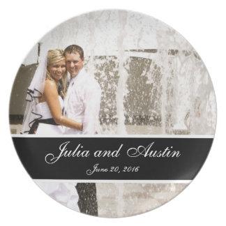 名前入りな結婚式の写真の記念品のプレート プレート