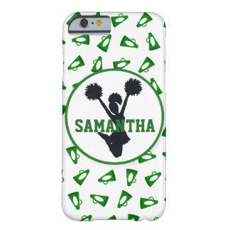 名前入りな緑のメガホンおよびチアリーダー BARELY THERE iPhone 6 ケース