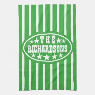 名前入りな緑のヴィンテージのカーニバル キッチンタオル