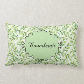 名前入りな緑の葉および枝 ランバークッション