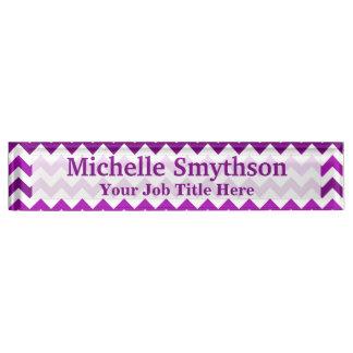 名前入りな蘭紫色のシェブロンあなたの一流のタイトル デスクネームプレート