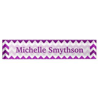 名前入りな蘭紫色のシェブロンあなたの名前 デスクネームプレート