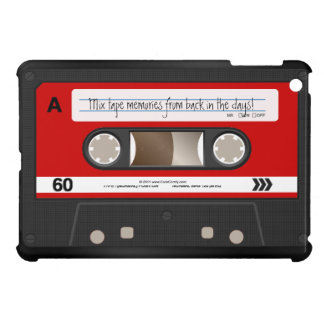 名前入りな赤いレトロのカセットテープ iPad MINIカバー