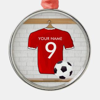 名前入りな赤と白のフットボールのサッカージャージー メタルオーナメント