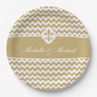 名前入りな金ゴールドの白い(紋章の)フラ・ダ・リシェブロン ペーパープレート
