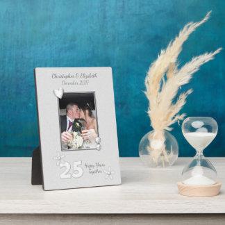 名前入りな銀製の結婚記念日の写真 フォトプラーク