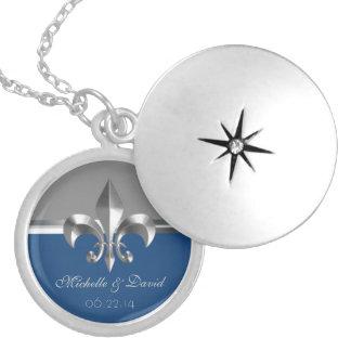 名前入りな銀製の(紋章の)フラ・ダ・リの記念品 ロケットネックレス