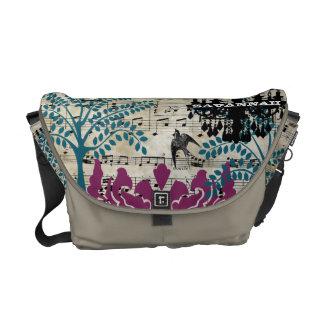 名前入りな音楽的なシャンデリアの木の鳥のダマスク織 メッセンジャーバッグ