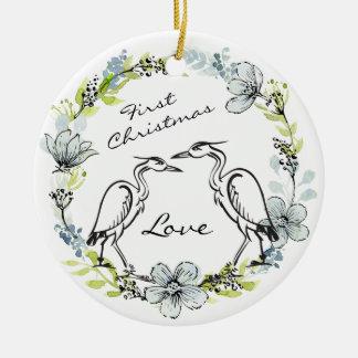 名前入りな鳥のカップルおよびリースの第1クリスマス セラミックオーナメント