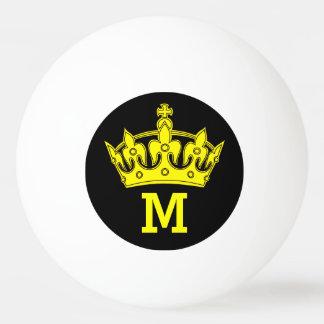 名前入りな黄色い王冠のモノグラム 卓球ボール