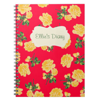 名前入りな黄色バラの赤のノート ノートブック