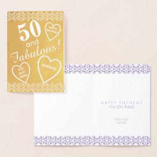 名前入りな50そしてすばらしい金ゴールドの誕生日のハート 箔カード