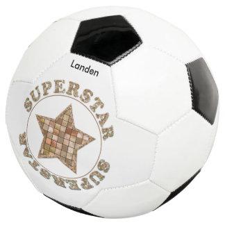 """名前入りな""""スーパースター""""のブラウンのタイルのタイポグラフィ サッカーボール"""