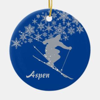 名前入りな《植物》アスペンの雪片のスキーヤー セラミックオーナメント