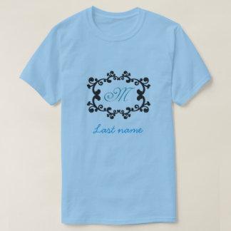 """名前入りな""""M""""のTシャツ Tシャツ"""