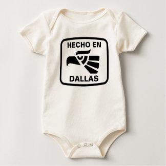 名前入りなHecho enダラスのpersonalizadoのカスタム ベビーボディスーツ