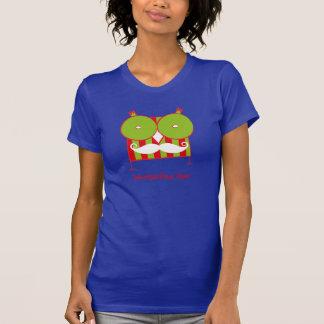 名前入りなMustachedフクロウのTシャツ Tシャツ