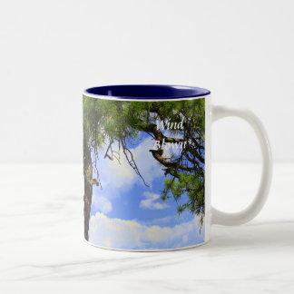 吹かれる風-コーヒーカップ ツートーンマグカップ