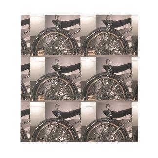 周期の自転車の芸術の写実的なdecoのテンプレートは文字を加えます ノートパッド