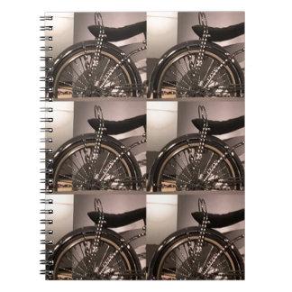 周期の自転車の芸術の写実的なdecoのテンプレートは文字を加えます ノートブック