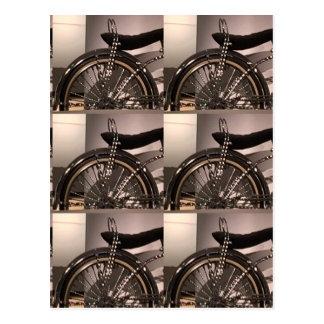 周期の自転車の芸術の写実的なdecoのテンプレートは文字を加えます ポストカード