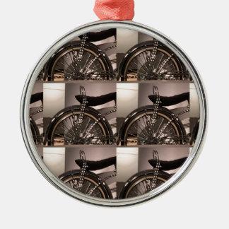 周期の自転車の芸術の写実的なdecoのテンプレートは文字を加えます メタルオーナメント