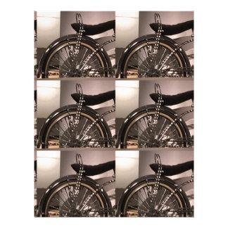 周期の自転車の芸術の写実的なdecoのテンプレートは文字を加えます レターヘッド