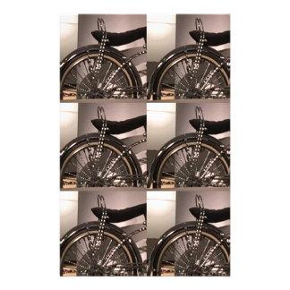 周期の自転車の芸術の写実的なdecoのテンプレートは文字を加えます 便箋