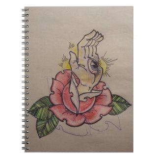 味がなくおよび静か-ばら色手の目の入れ墨のモチーフ ノートブック