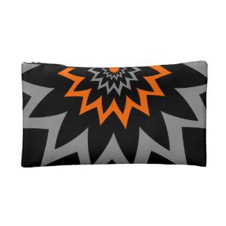 咲く黒およびオレンジ コスメティックバッグ