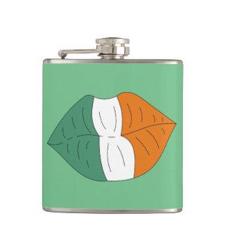 唇おもしろいなアルコールフラスコのアイルランドの旗 フラスク