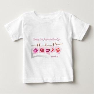 唇の感謝日3月16日 ベビーTシャツ