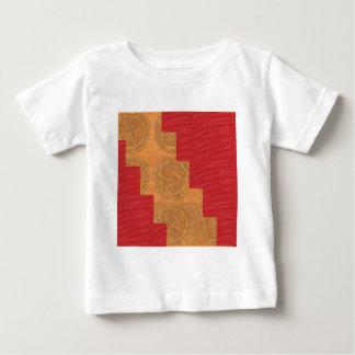 喜び、金ゴールドの円のユニークで赤い絹の基盤を着色して下さい ベビーTシャツ