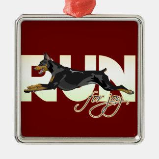 喜び、黒いドーベルマン犬のための操業 メタルオーナメント