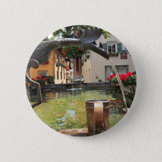 噴水、Castelrotto (Kastelruth)、イタリア 缶バッジ