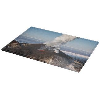 噴火する美しい火山 カッティングボード