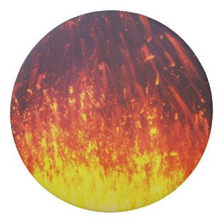 噴火口の噴火の火山の夜花火の溶岩 消しゴム