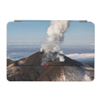 噴火口の噴火の火山: 溶岩、ガス、蒸気、灰 iPad MINI カバー