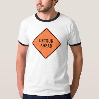 回り道の建築のハイウェーの印 Tシャツ